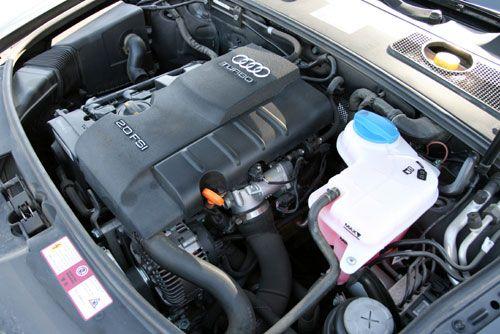 保养周期为5000公里,每次保养需要同时更换机油和机油滤清器.