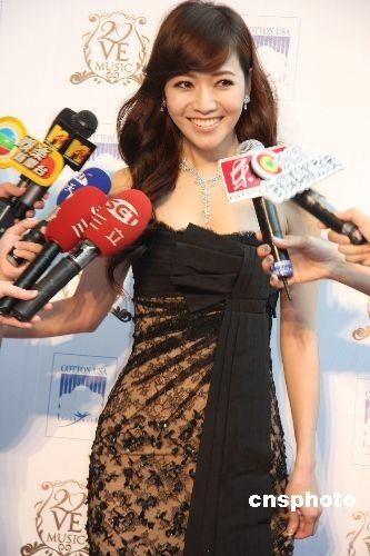 岑担当第20届金曲奖颁奖典礼的主持人-第20届台湾金曲奖揭晓 周杰