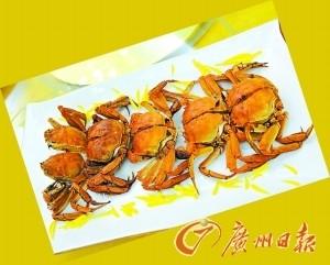 """大闸蟹 简单/爱喝汤的食客可以选择""""天山雪菊堂煮大闸蟹"""",大闸蟹与天然雪..."""