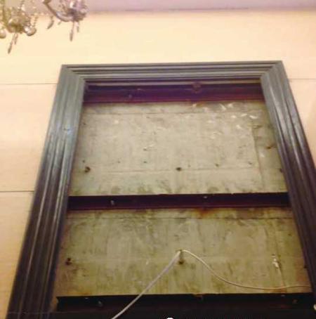 挑刺华乐·红:看房通道太多垃圾,样板房墙面多裂纹