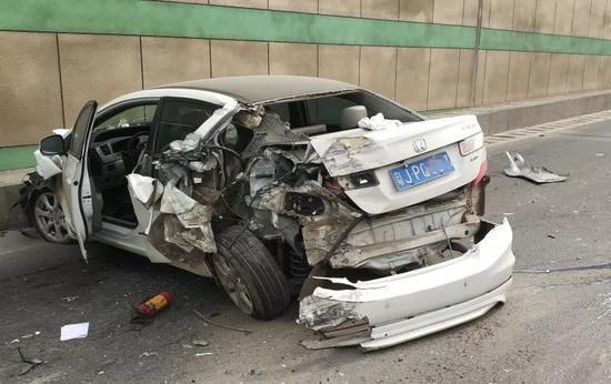 新闻 广东    经了解,驾驶员张某某驾驶粤h78c**号小客车从新会经江门