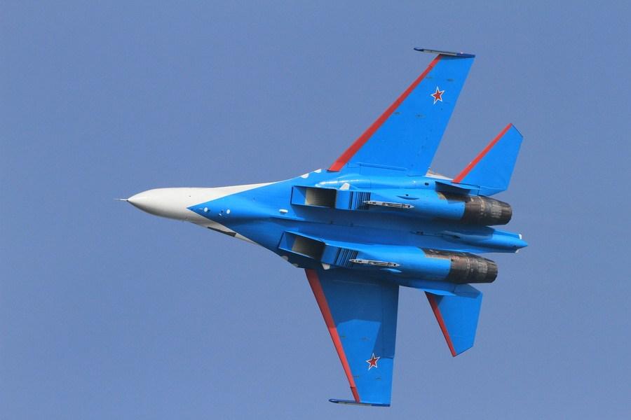 俄罗斯勇士飞行表演队抵达珠海后首次试飞