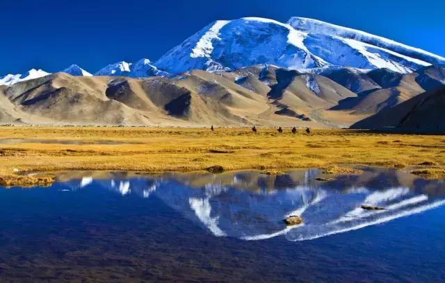 慕士塔格峰是很多旅人前往喀什的必看景点