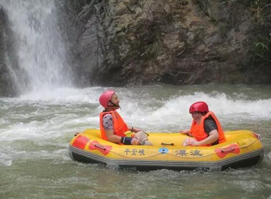 新闻 县区新闻 博罗    据悉,平安山景区内有珠三角最大的瀑林大峡谷