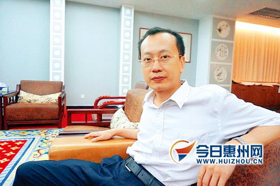 人物档案   人物:林培铭   年龄:38岁   身份:中国美协工笔高清图片