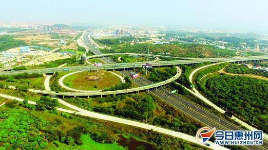 惠深高速公路穿过镇隆互通.横向为潮莞高速,纵向为惠深高速.图片