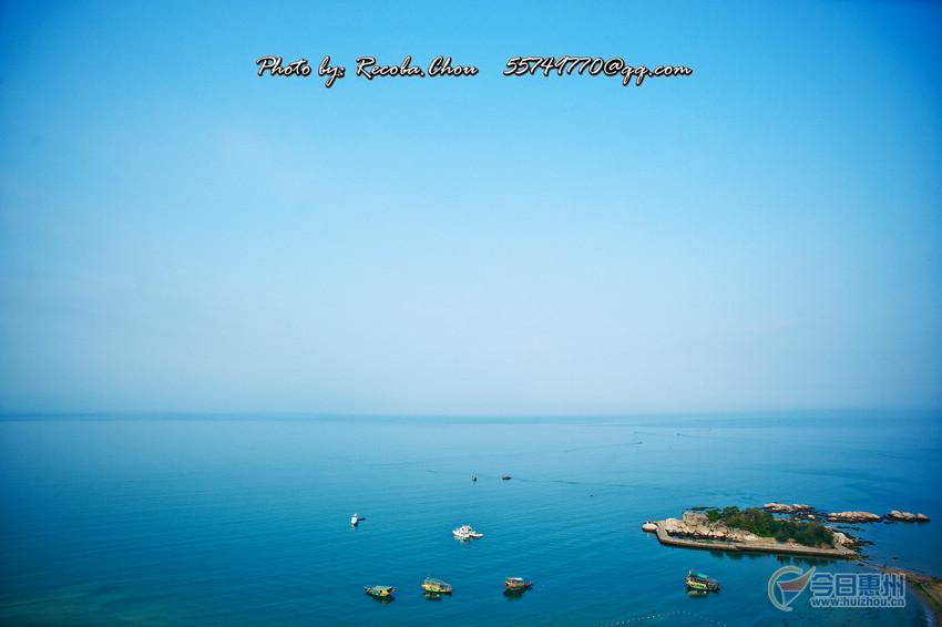 巽寮湾的山,海滩,海岛巨石遍布,海湾一带有摩崖石刻30多处,总长20多公