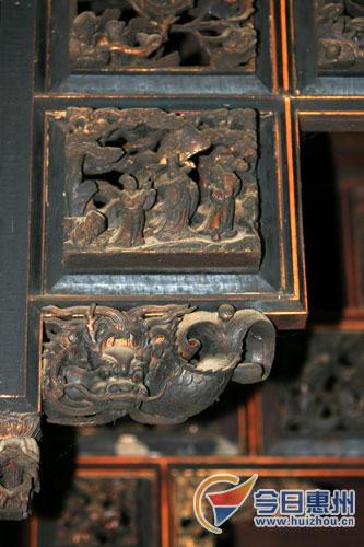 这些手工精巧的木雕装饰品处处都显示着刘四老爷当年