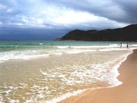 广东省内的海边吹吹风