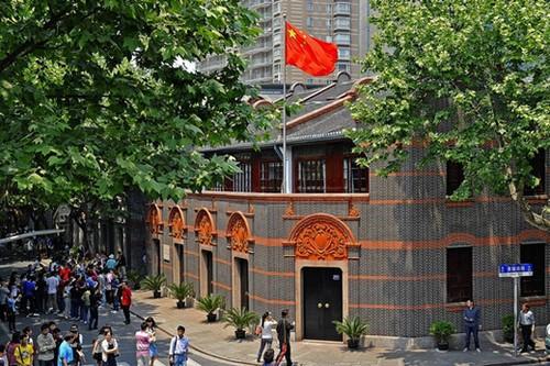 上海市中共一大会址纪念馆游人如织