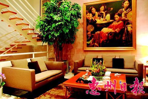 绿色植物装饰客厅