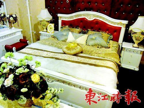 白色欧式床.