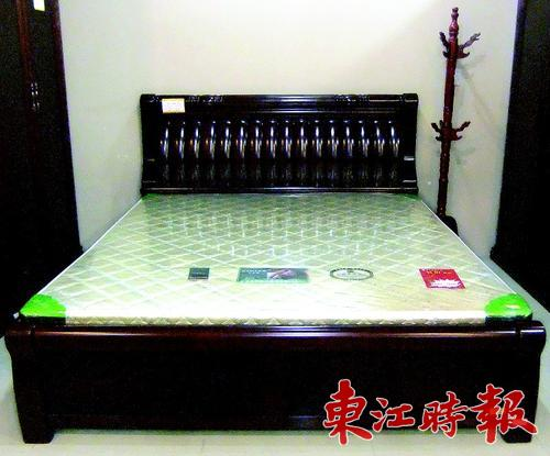 实木床 雕刻孔雀
