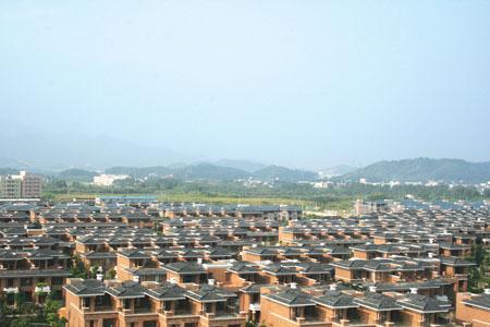 惠博沿江板块的惠州奥林匹克花园别墅群空中鸟瞰图.         本报记者